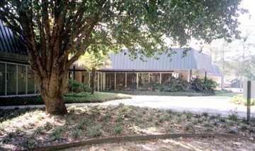 Oakdale Community Hospital Image