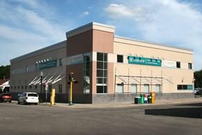 M Health  Fairview Clinic - Hiawatha Image