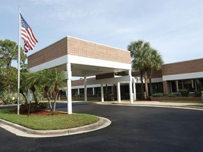 Sandy Pines Residential Treatment Center Image