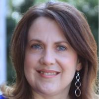 Julie Cox Image
