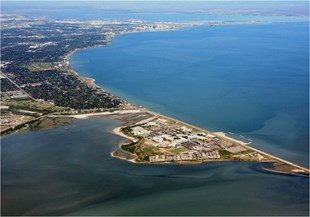 Texas Gulf Coast City With 300k Population/Big City Amenities-Small Town Feel! Logo