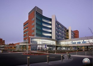 Hospital in Southern Suburb of Portland Orgeon Logo